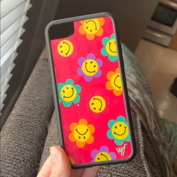 Wildflower smiley case! ON HOLD